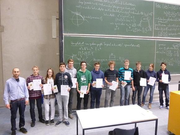 11 Schülerinnen und Schüler des CFG besuchten den Studieninformationstag Mathematik an der Universität Regensburg.