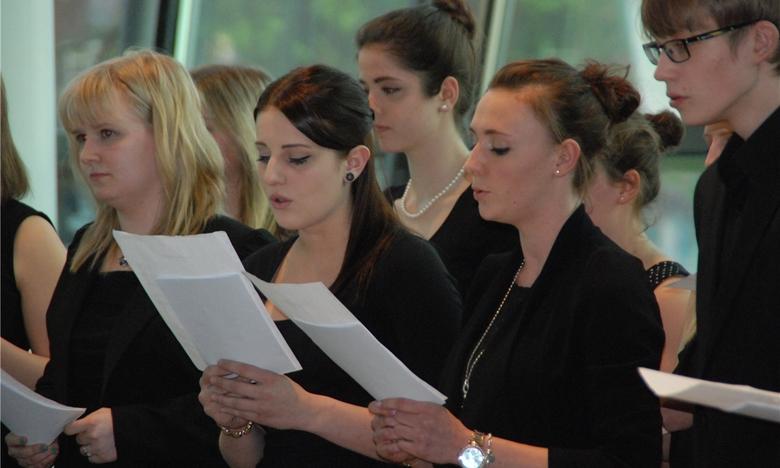 Musikalische Bildung wird am CFG gro� geschrieben. Der kammermusikalische Abend erbrachte dafür erneut einen Beweis. Foto: Röttenbacher