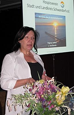 Referentin Frau Dagmar Vollath, Vorsitzende des Hospizvereins Stadt und Landkreis Schwandorf e.V.