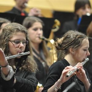 Die jungen Musikerinnen der CFG-Band gaben alles. Foto: ra