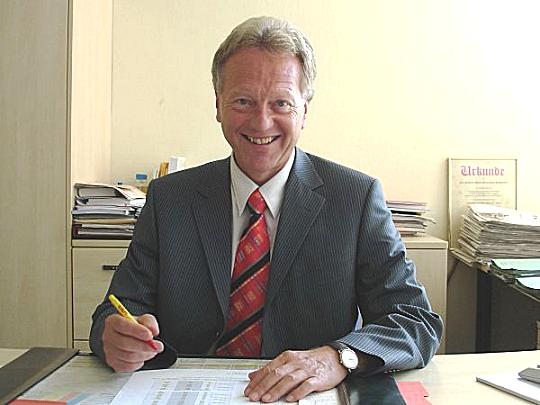Fritz Pawlick, Schulleiter des Carl-Friedrich-Gauß Gymnasiums