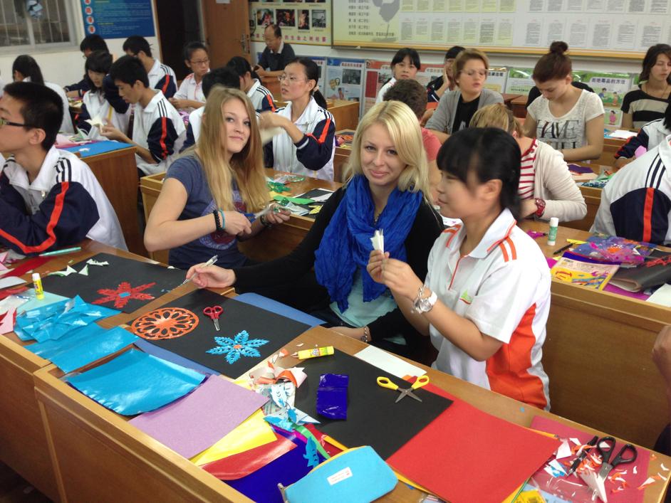 Bild: Gemeinsam im chinesischen Unterricht